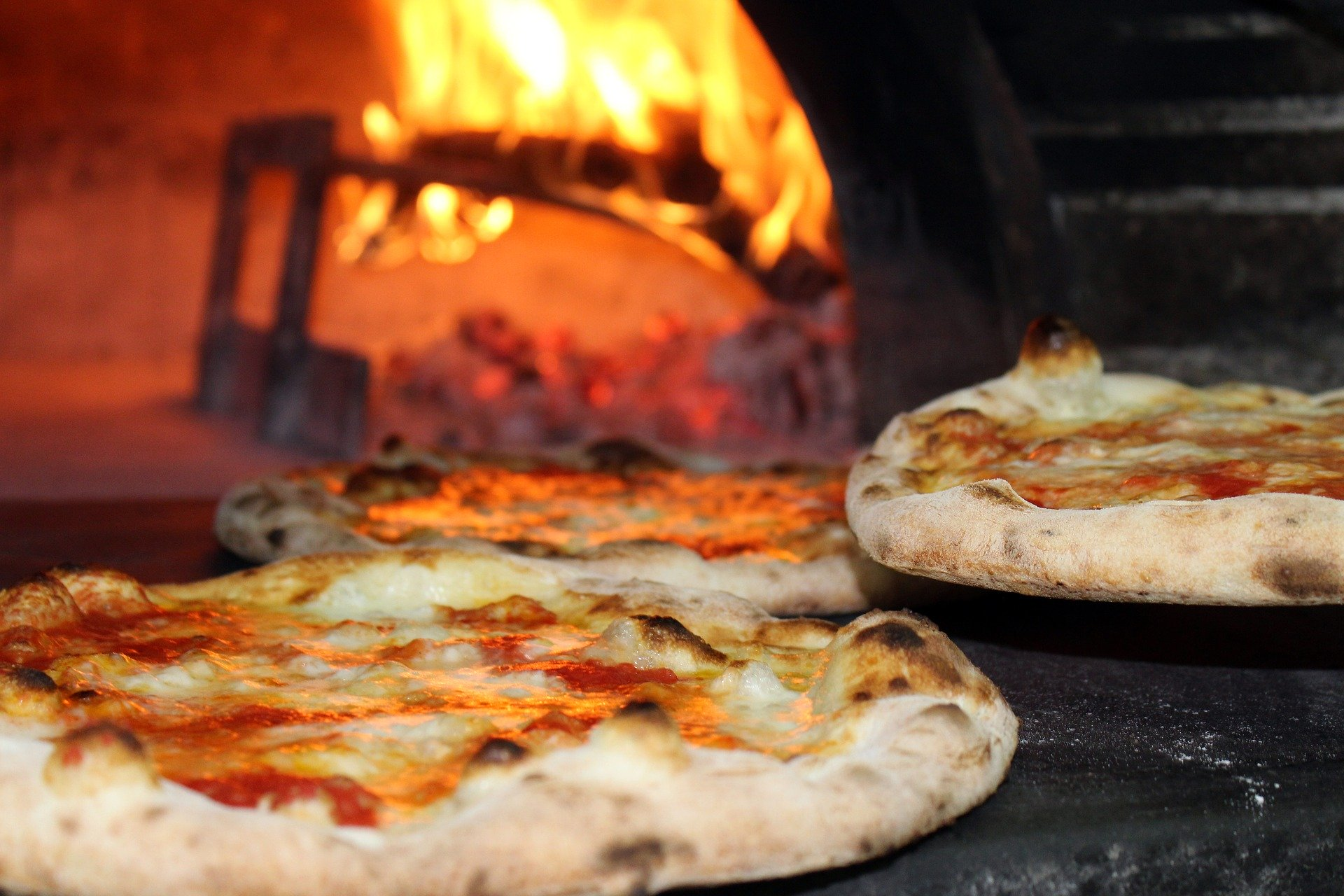 Italy: pizza and happiness